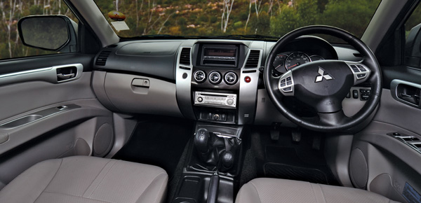Mitsubishi Pajero Sport 3.2 DiD manual