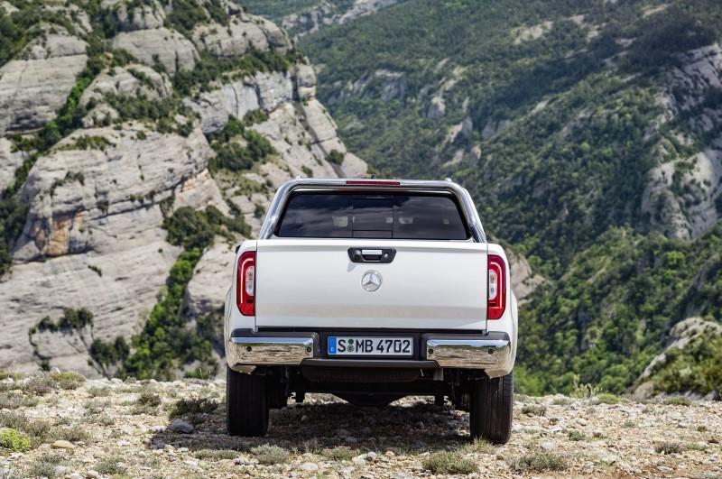 Mercedes Benz X Class: Back