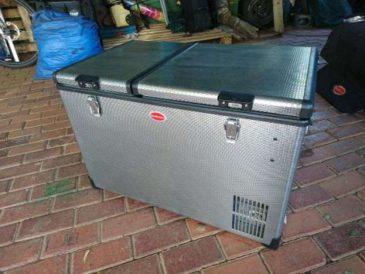 Snomaster 66l fridge/freezer