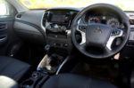 Off-road Test: Mitsubishi Triton Console Dashboard