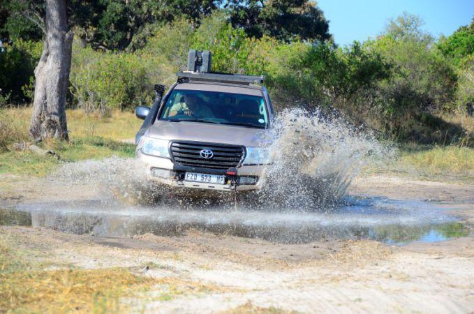 Botswana Dust & Glory: Splashing down